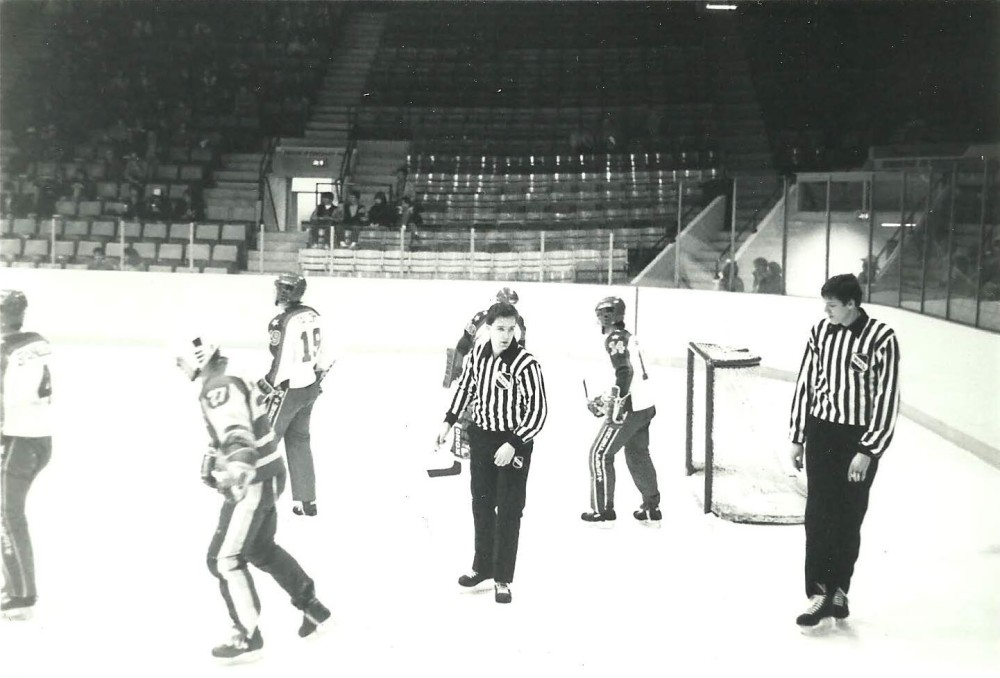 WHL-linesman-with-Mike-Cvik