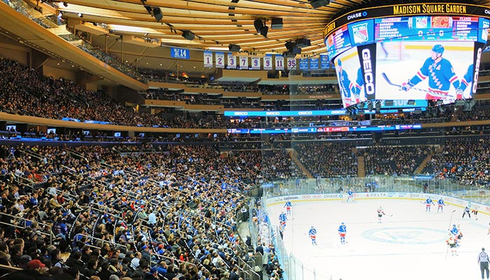 New-York-Rangers-Game-at-Madison-Square-Garden.jpg